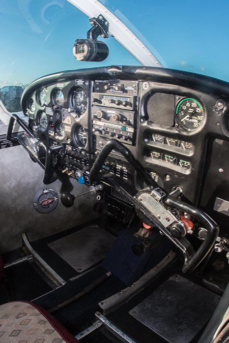 piper-warrior-cockpit